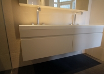 bespoke-white-bathroom-cabinet